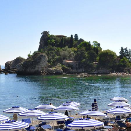 Isola-bella-location-sea